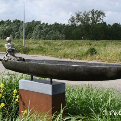 Rupelmondse Kreekroute Kunstwerk geplaatst op wandeling als herinnering aan de vele scheepsbouwwerven die langs de Schelde lagen en waar de Congoboten werden gebouwd